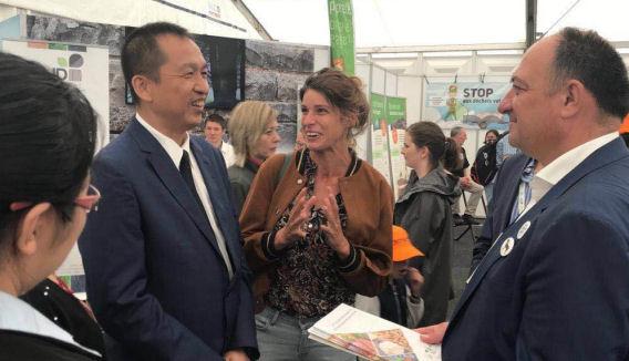 来自黑龙江省的中国代表团在Libramont农业博览会与卢森堡省的代表团和瓦垄大区部长Willy Borsus会见,2019年7月。